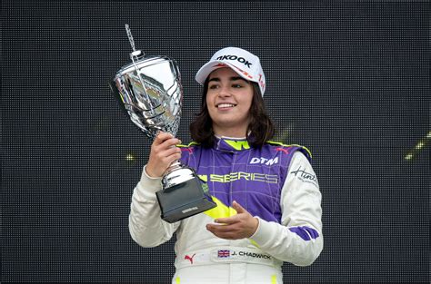 Jamie Chadwick wants to earn path to Formula 1 after