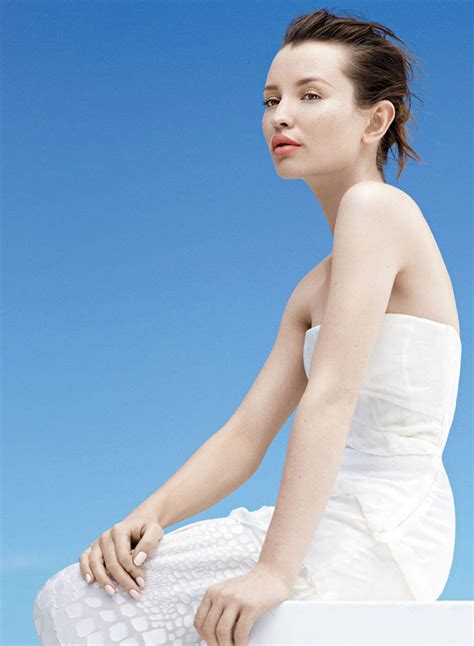 Emily Browning Hot Pictures, Bikini And Fashion Style (49
