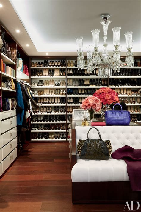 30 Celebrities Who Have Extravagant Closets, You'll Fall