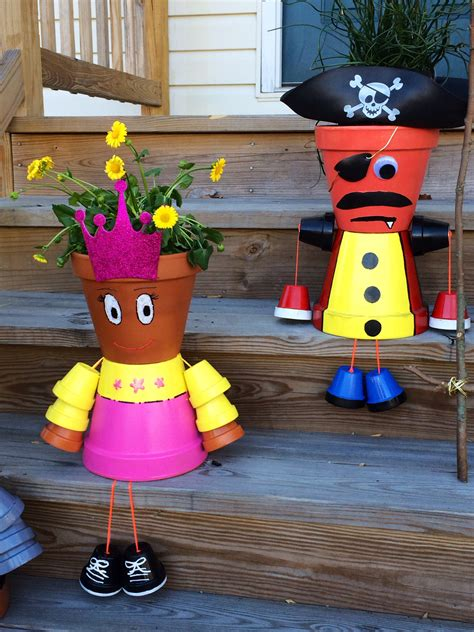 Awesome Clay Pot Decor That Will Make Your Garden Look